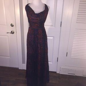 Dresses & Skirts - Elegant silk long (maxi) dress